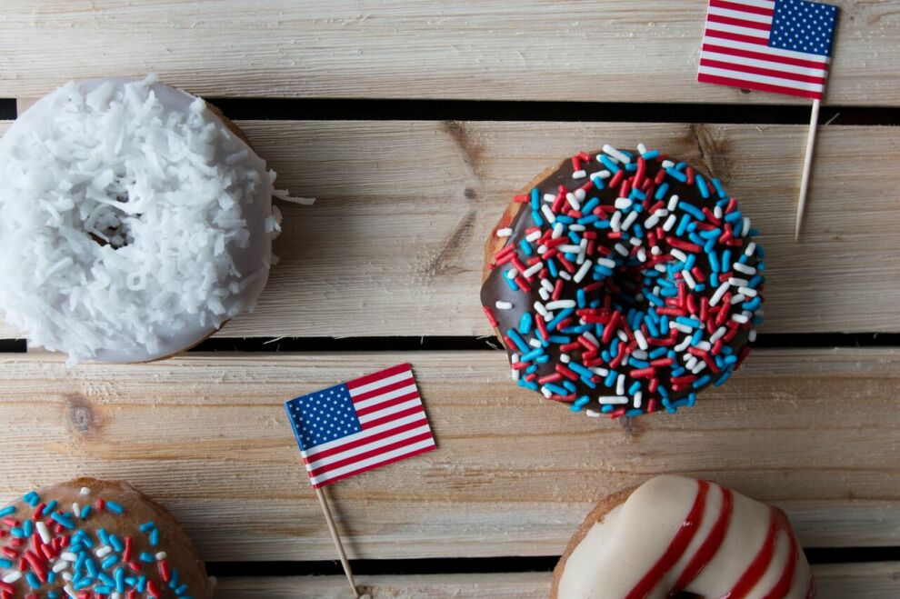 Duck Donuts Patriotic Assortment 2018 2 Preview
